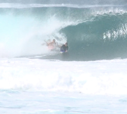 bodyboarder drop in