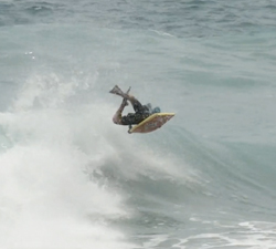Renato Ribeiro bodyboarding