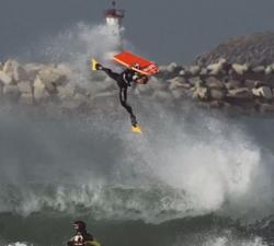 Hugo Pinheiro tow out bodyboarding