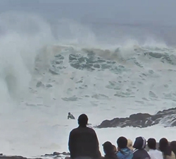 bodyboarder caught inside